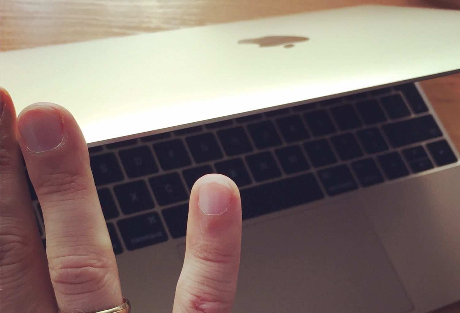 How beauty boosts productivity… or my very biased MacBook One review :-)