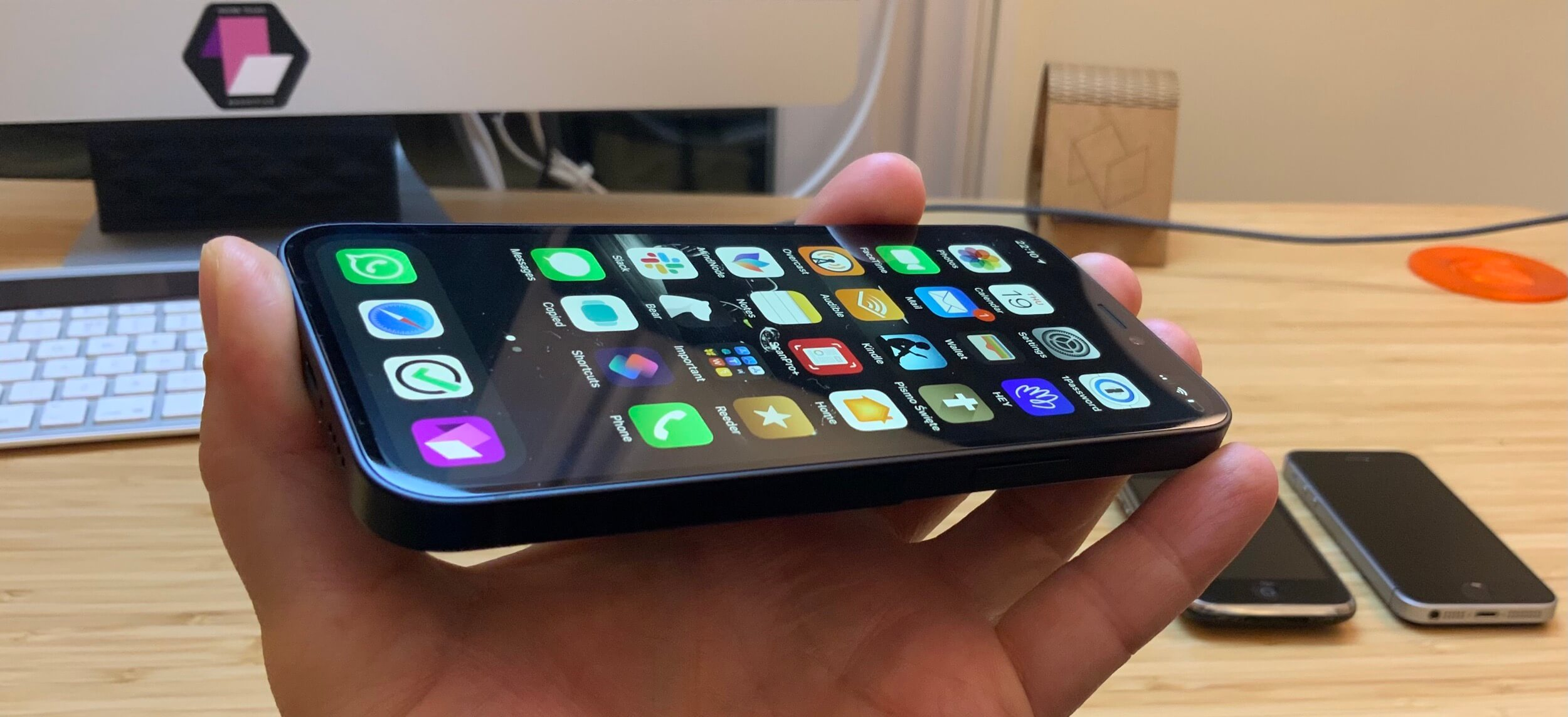 First impressions of the ultimate cuteness - the iPhone 12 Mini